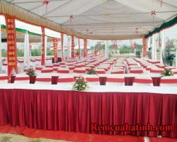Khăn trải bàn màu đỏ tại Hà Tĩnh mã KTB106